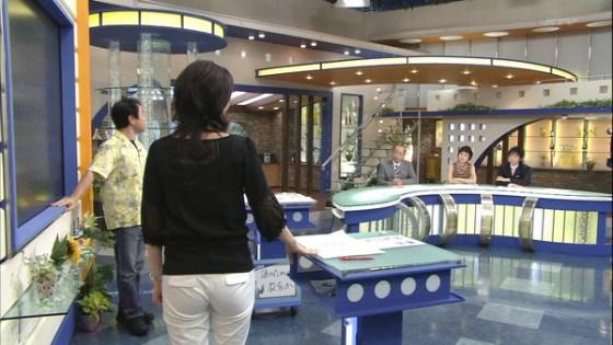 【放送事故画像】テレビで見せるプリップリのお尻女達がエロくてたまらんwww 20