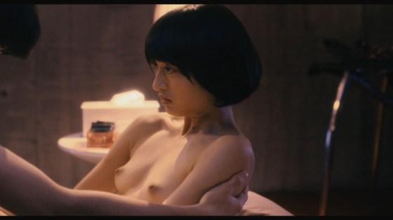 【お宝濡れ場画像】女優達が全裸で演ずる濡れ場のシーンが過激すぎて勃起不可避な件ww 19