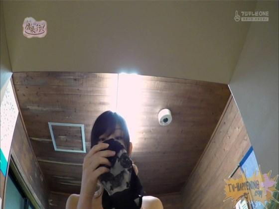 【お宝エロ画像】お尻アングルが絶妙なエロさを誇る番組もっと温泉に行こう! 59