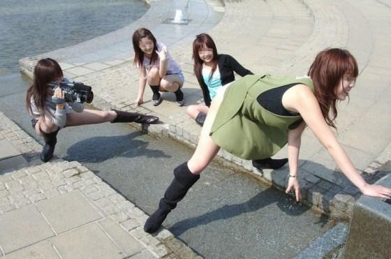 【素人エロ画像】おふざけが過ぎたバカな素人女達が恥ずかしい写メうPするぞwww 22