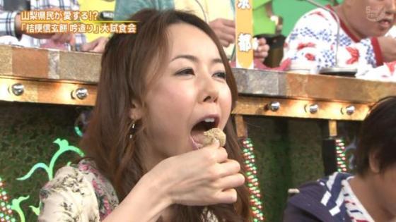【擬似フェラ画像】エロい表情で食レポする女子アナ達の擬似フェラテクニックがやばいww 24