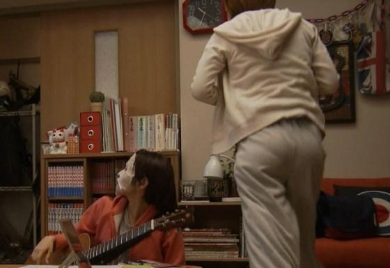 【お尻キャプ画像】テレビなのにそんなエロいお尻突き出して挿入待ちポーズですか?w 12