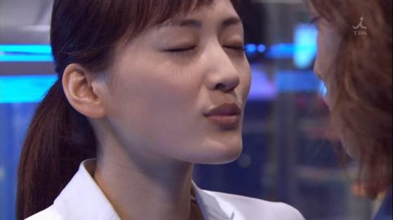 【キステレビキャプ画像】見てるだけで照れちゃう女子アナやタレント達のキス顔やキスシーンww 08