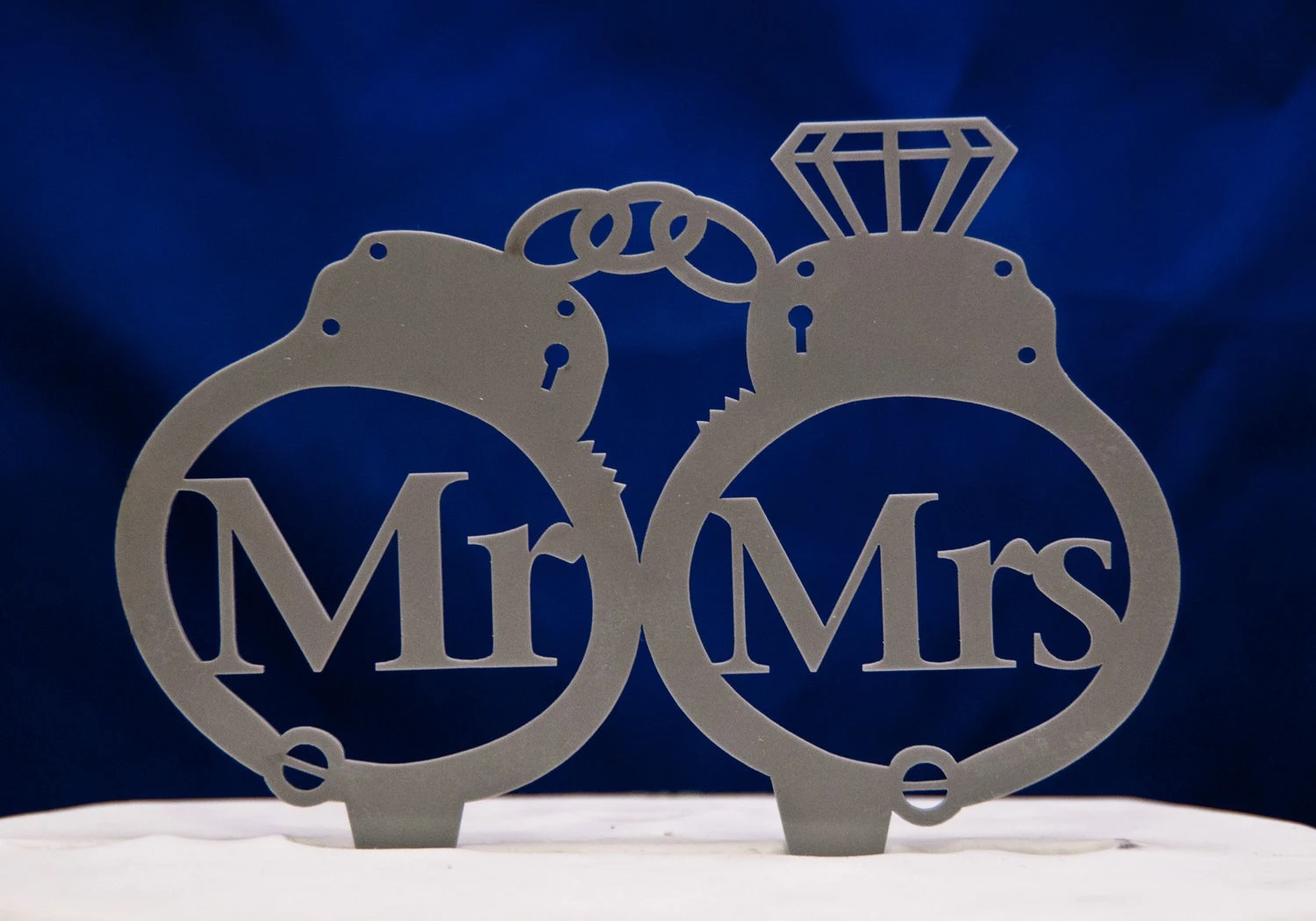 police wedding police wedding rings Handcuffs wedding cake topper Mr and Mrs inside handcuffs with diamond wedding cake topper police cake topper