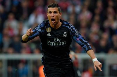Cristiano Ronaldo Beats Lionel Messi By Scoring 100 European Goals.