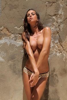 alisa the undress code 2