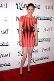 Kristen Stewart leggy in tight dress as she attends Adventureland premiere in Los Angeles - Hot Celebs Home