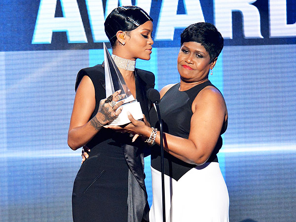 Rihanna's Mom at American Music Awards: 'I Am So Proud of You'
