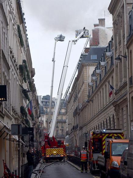 Fire Burns World-Famous Paris Ritz Hotel Where Princess Diana Had Her Last Meal| Paris, Elton John, Ernest Hemingway, Princess Diana