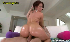 Savannah Anal With Savannah Fox-BangBros
