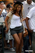 th 77068 beyonce eyeprime 95 122 233lo Beyonce & Jay Z leave a Restaurant after Lunch in New York, Sep 11, 2010