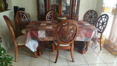 letgo - 6 chair dining table in Taft, FL