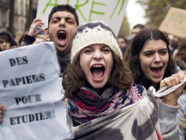 Appel pour la régularisation de tous les étudiants étrangers sans titre de séjour