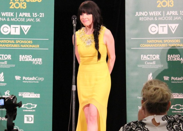 Carly Rae Jepsen Backstage_Juno_Awards_regina_2013_winner