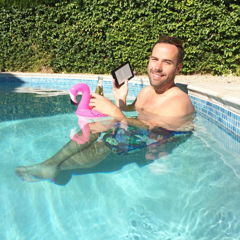 Kobo Glo HD Pool Reading Palm Springs