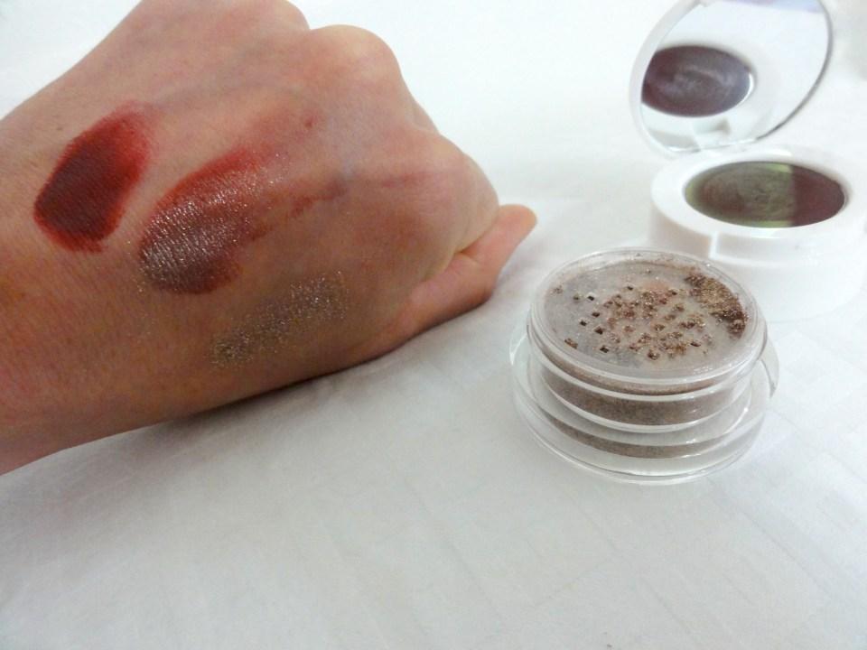 The_Edgiest_Metallishadow_Crème_&_Powder_Colour_Swatch_Scarlet_Eclipse_03_The_Estée_Edit_Sephora