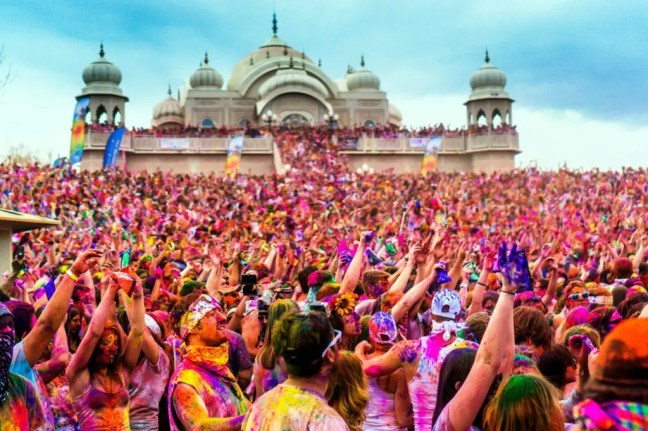 Holi - How I got high on Holi-the festival of vibrant colors - By Voyager