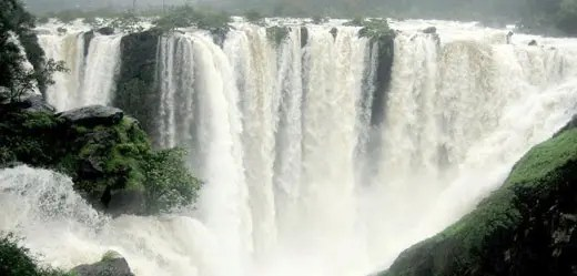 Weekend drive to the magnificient Shivanasamudra Falls - Voyager Travel Blog