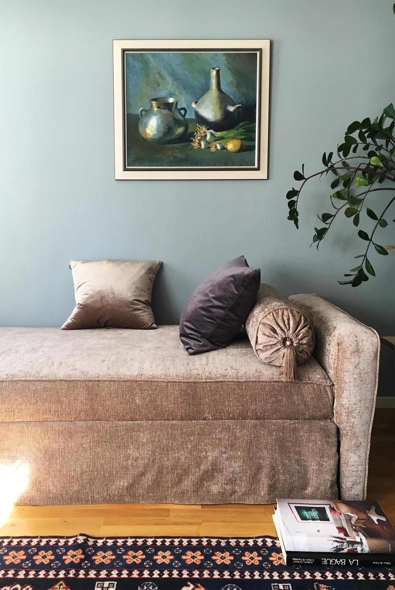 Min nya ombyggda soffa i sammet!