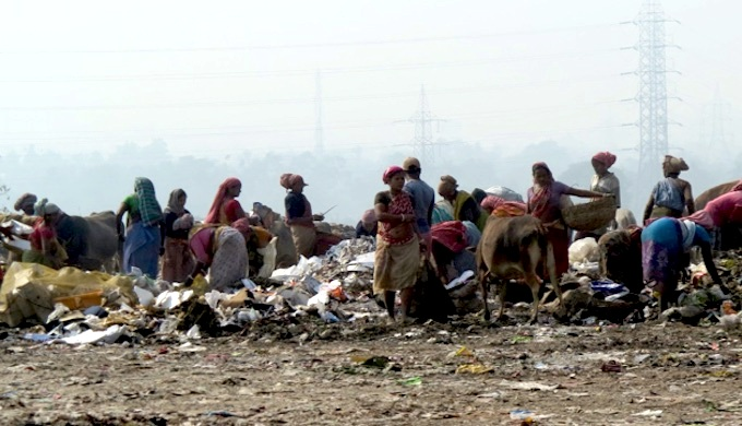 The waste recyclers of Kolkata wetlands need recognition for their efforts. (Photo by Dhrubajyoti Ghosh)