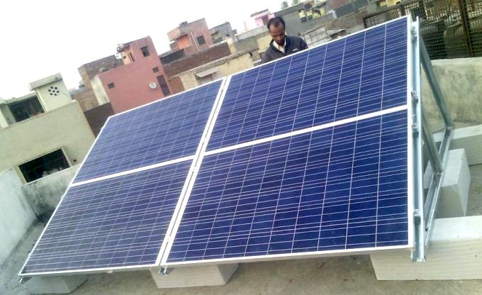 A rooftop solar installation in Delhi. (Photo by URJA)