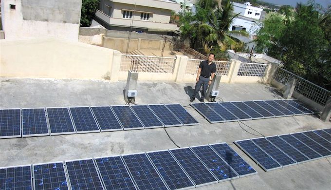 Many new projects of rooftop solar are expected. (Photo by FJL)