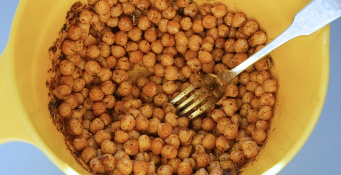Crunchy Roast Chickpeas (Channa)