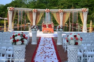 How to Take Indian Wedding Trends from Inspiration to Execution-open_mandap_indian_wedding