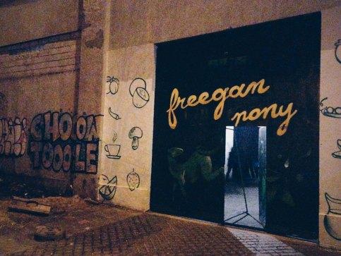 freegan-pony-door