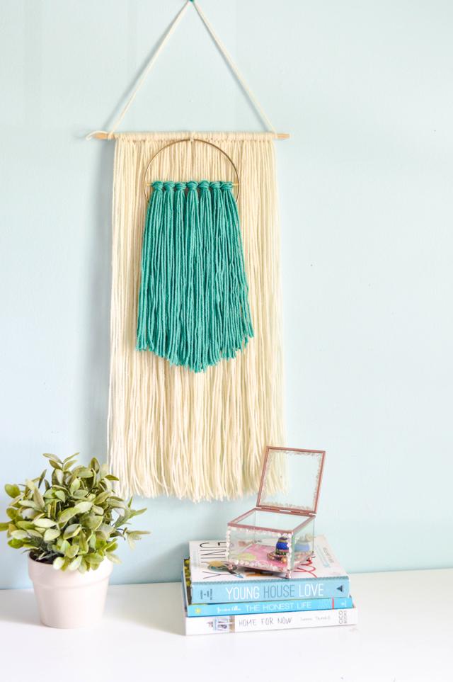 Diy easy yarn wall art indie crafts for Diy yarn wall art
