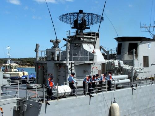 KRI Fatahillah 361 dengan peluncur torpedo MK32
