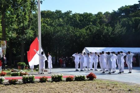 Flag hoisting ceremony (1)