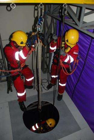 Confined Space Rescue Training 10