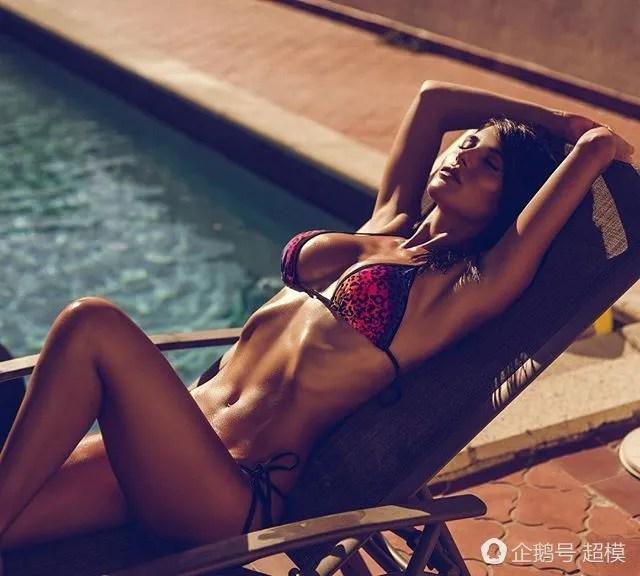 超模西爾維婭卡魯索,迷人魅力讓人為之傾倒