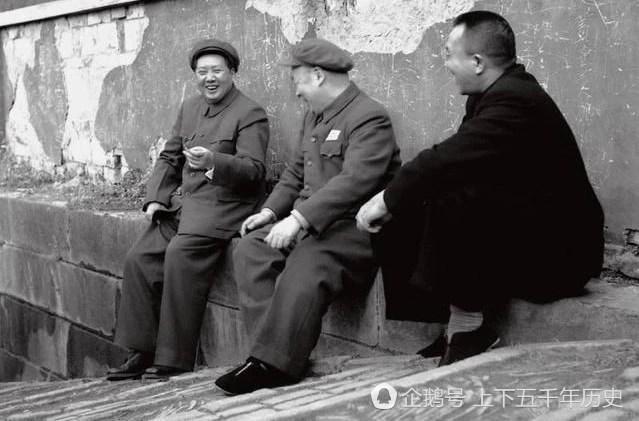 值得珍藏:毛主席真正開懷大笑的幾張照片,懷念偉人!