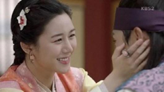 花郎:在《花郎》里飾演守蓮的李多寅!原來媽媽和姊姊也大有來頭!