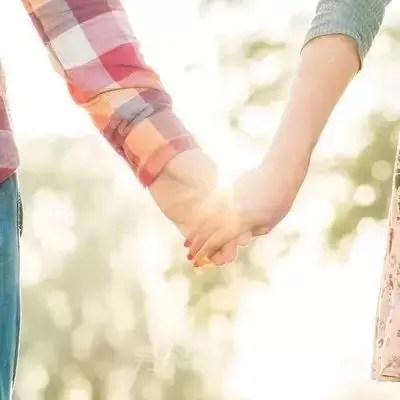 初次約會怎麼牽手?這樣循序漸進發生關係嗎?