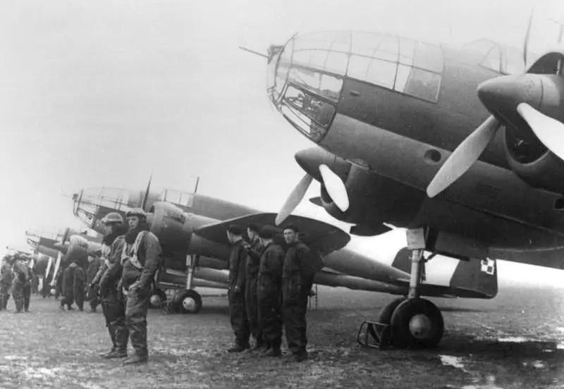 華沙上空的鷹:揭秘二戰中的第一場大規模空戰