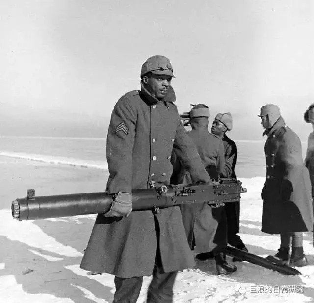 打飛機的黑蜀黍:二戰期間進行防空訓練的美軍黑人團士兵