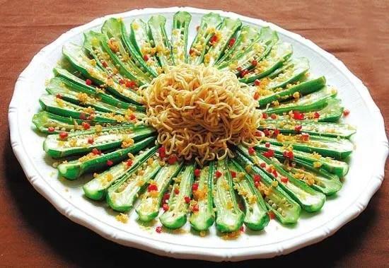 蔬菜界的「網紅」秋葵不要生吃,生吃會損傷腸胃,應該這樣吃才對