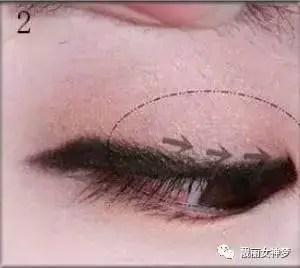 楚楚可憐的單眼皮無辜眼妝的化妝技巧