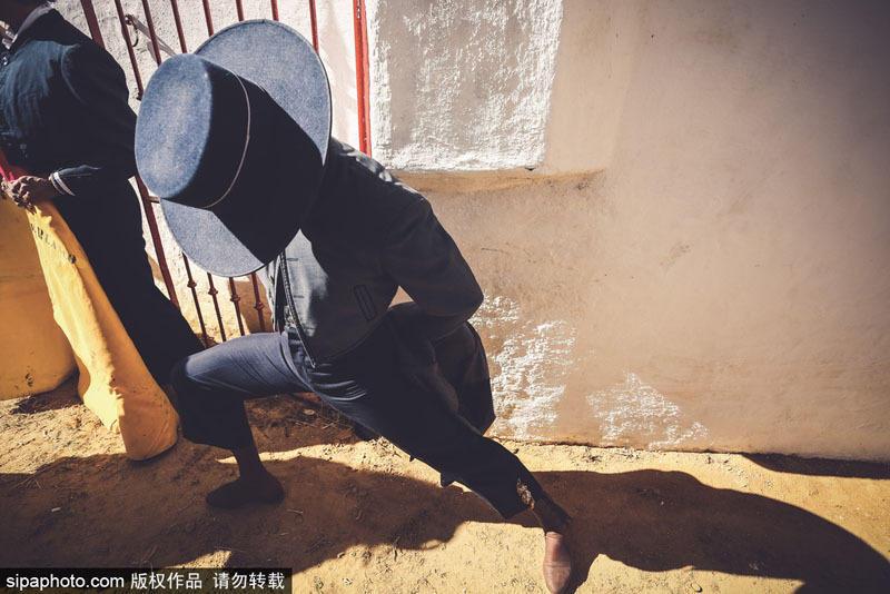 西班牙鬥牛騎士背後的生活
