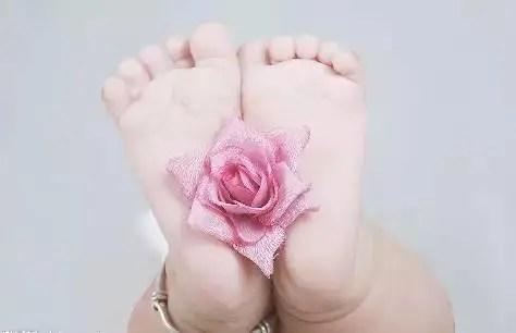 寶寶喜歡光腳丫,這樣到底好不好?