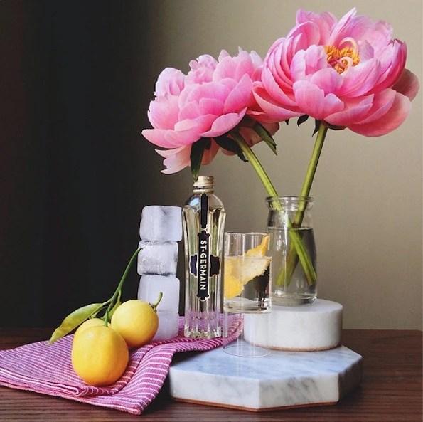 養花鑒賞:看看著名設計師的餐桌插花,讓舌尖綻放花的姿態!