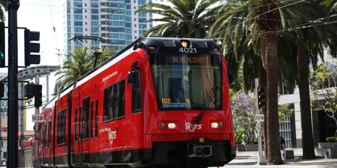 Comic-Con uses its super powers to help fill San Diego trolley cars