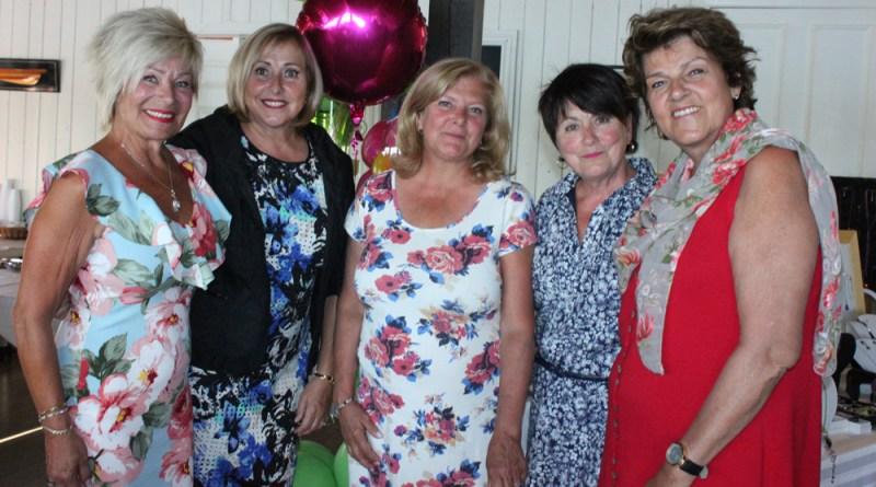 femmes tout en fleurs_co