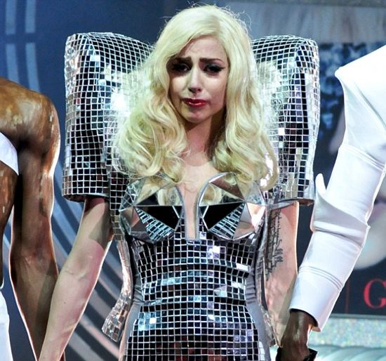Lady Gaga Gets Concussion During Show – But Continues Performing!
