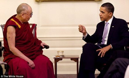 dalailama obama1 Dalai Lama Leaves White House Through Back Door