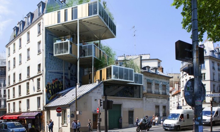 parasitary buildings in paris - coloursontheinside - build houses like cars -  source: inhabitat.com