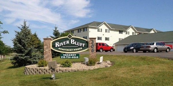 River_Bluff_1-Sign_BestWEB2